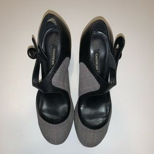 Chinese laundry size 7.5 black and plaid heels